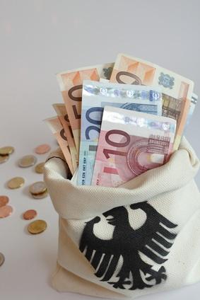 Papiergeld – Staatsfinanzierung – Inflation. Traf Goethe ein Kernproblem der Geldpolitik