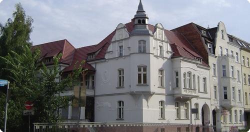 Das Bild zeigt eine Wohnimmobilie in Brandenburg